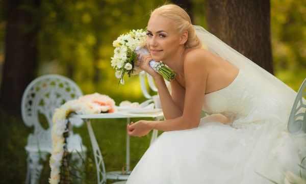 Сколько стоит свадьбу сыграть: тамада, фотограф, ведущий, украсить зал, пригласить звезду, салют, лимузин, видеосъемка